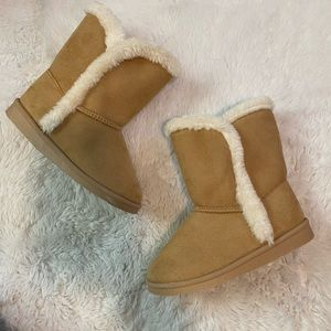 3/$12 Fab Kids Fur Lined Pull On Boots Shoes 11